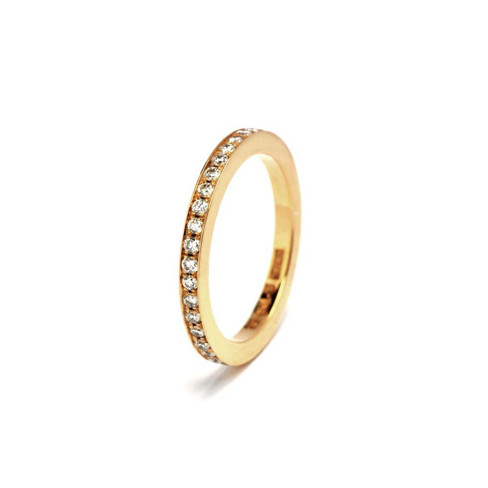 Classic 15 diamond ring