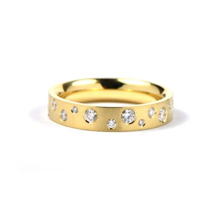 Diamond polkadot ring - yellow gold