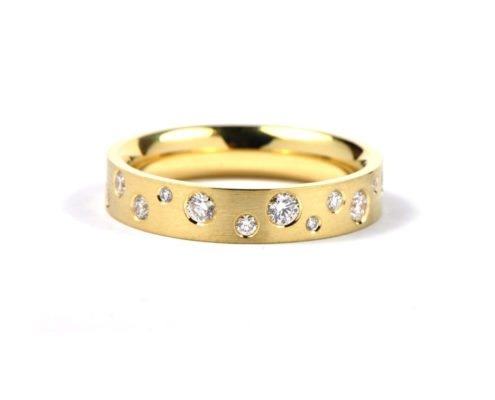 Diamond polkadot ring - yellow gold