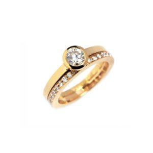 Diamond stockholm ring with diamond band