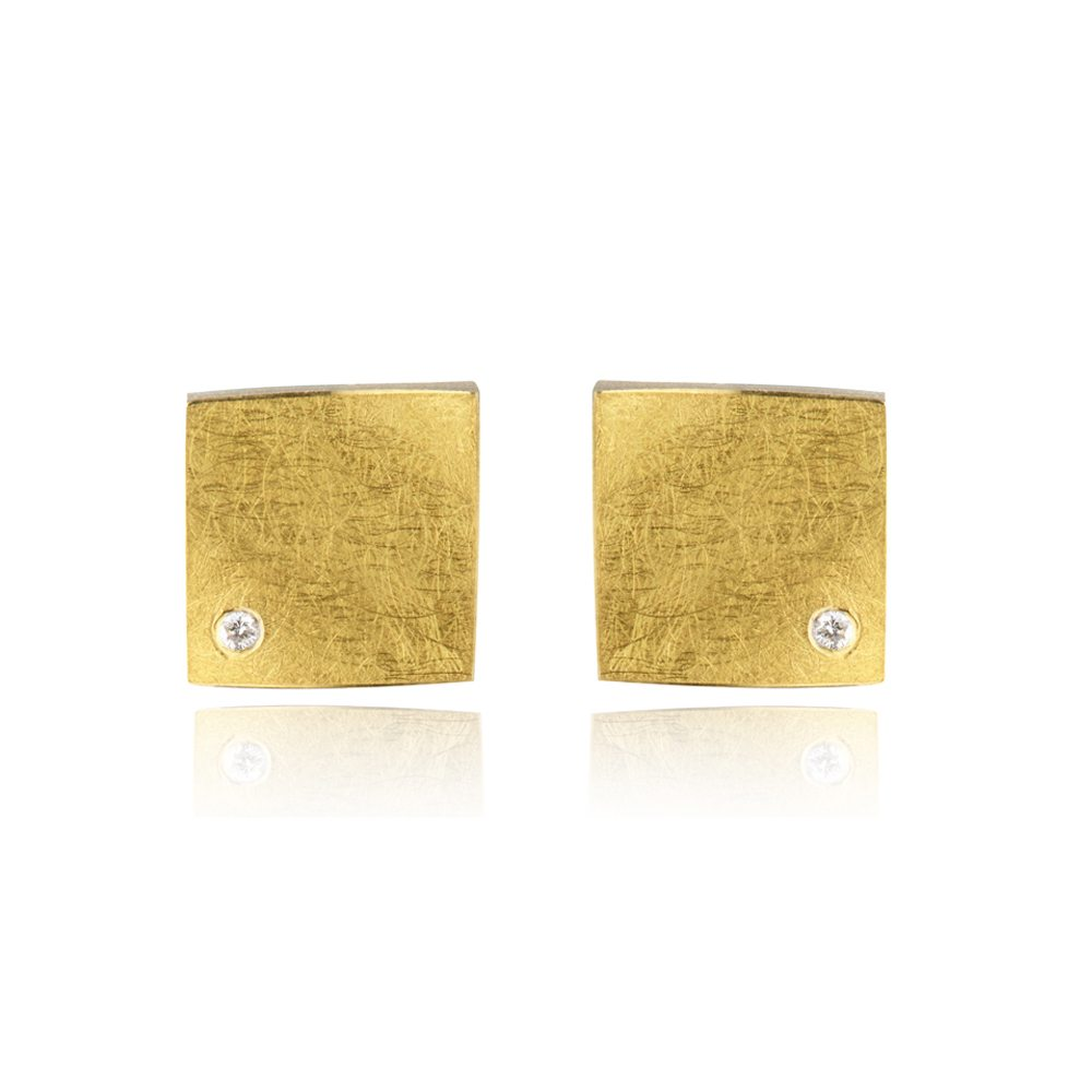 Fine gold square earrings