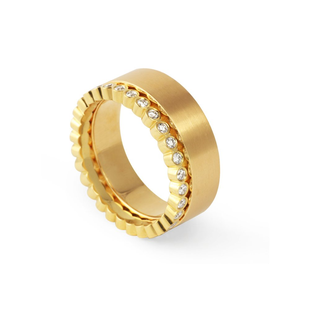 Juliet ring with plain band