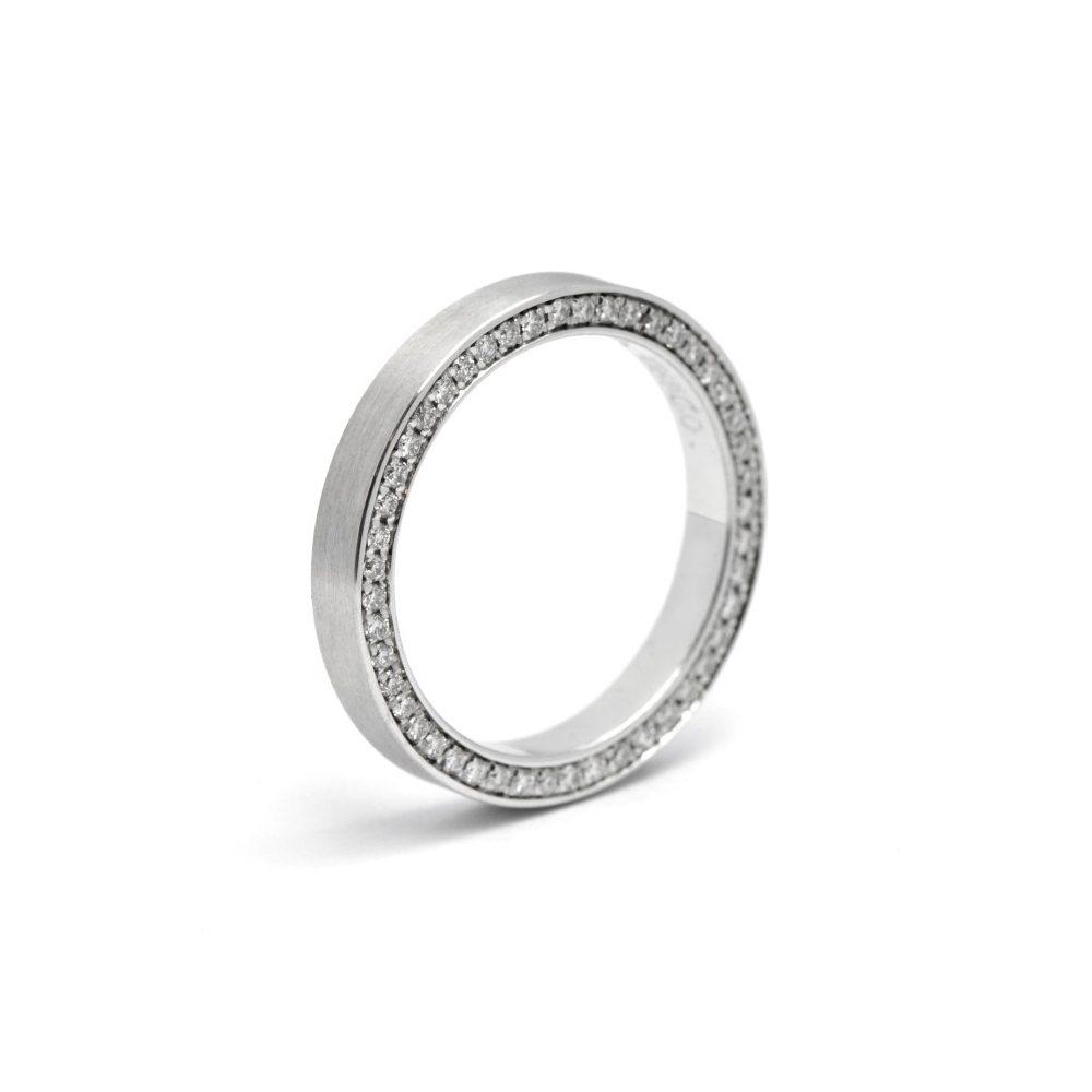 Narrow swedish ring