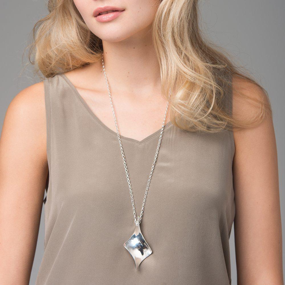 Silver twist long pendant