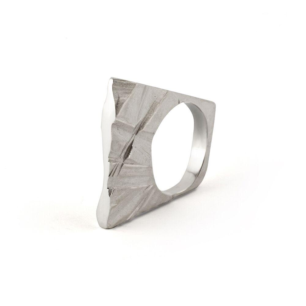 Silver slim shards ring
