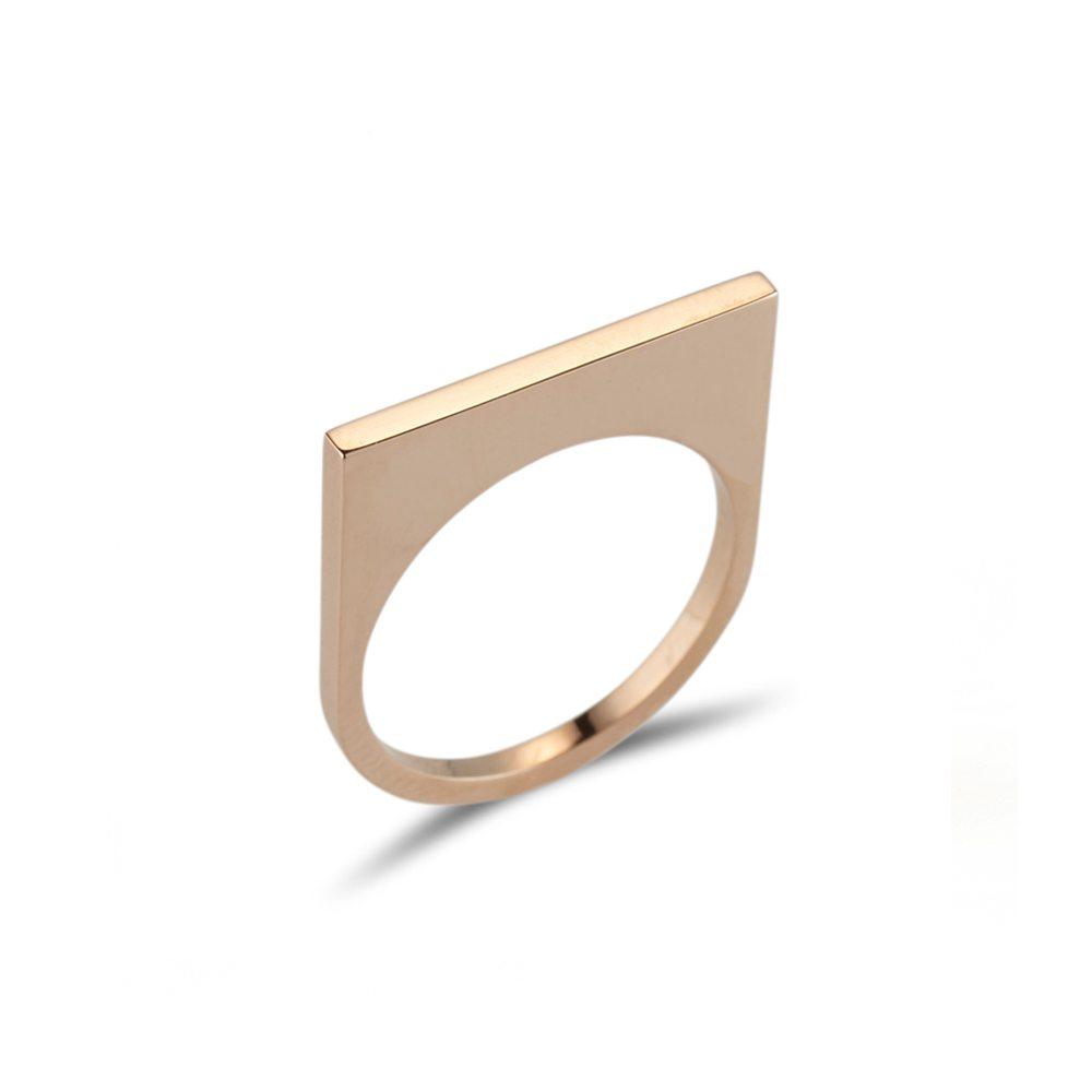 Straight gold quintet ring
