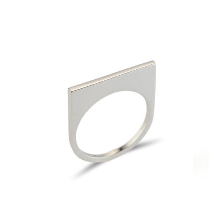 Straight silver quintet ring